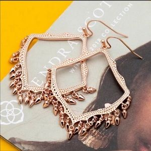 Kendra Scott NWOT Lacy Rose Gold Drop Earrings